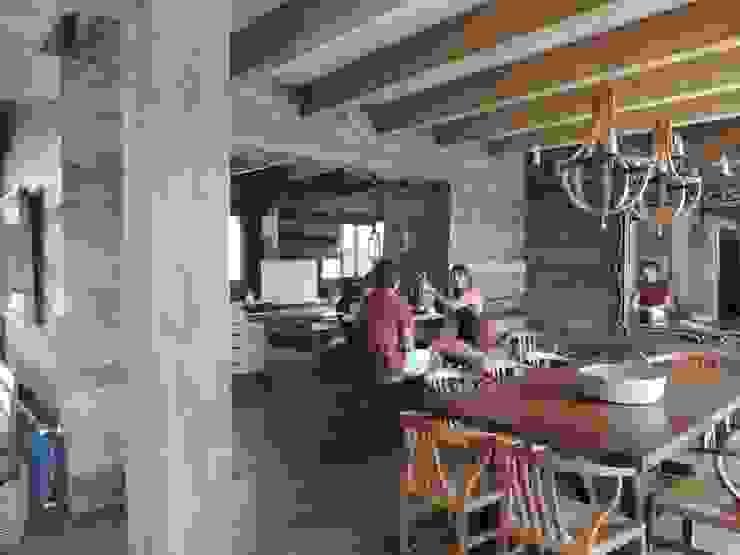 Comedores de estilo  por David y Letelier Estudio de Arquitectura Ltda.