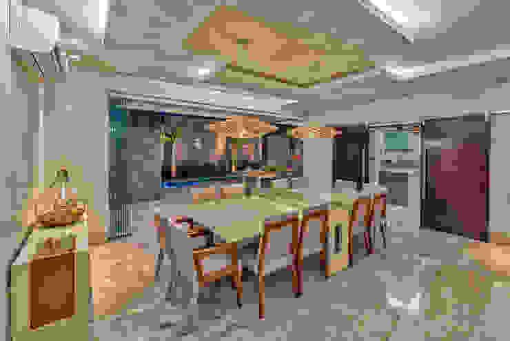 Projeto residencial em condomínio fechado 360+ arquitetura e interiores Salas de jantar modernas