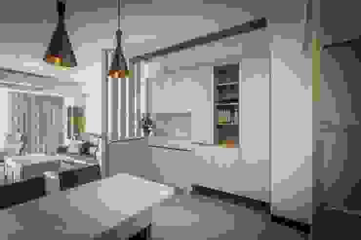 聯上峰景舒適宅 斯堪的納維亞風格的走廊,走廊和樓梯 根據 采居空間設計/系統傢俱 北歐風