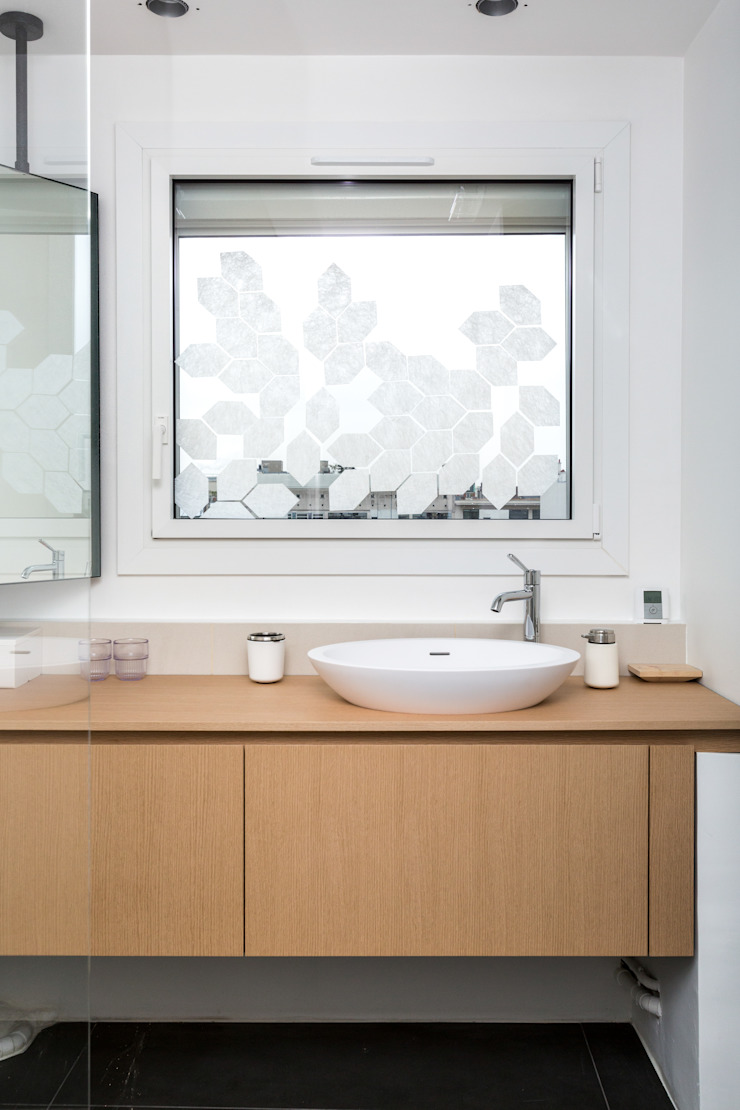 Mon Concept Habitation Scandinavian style bathrooms