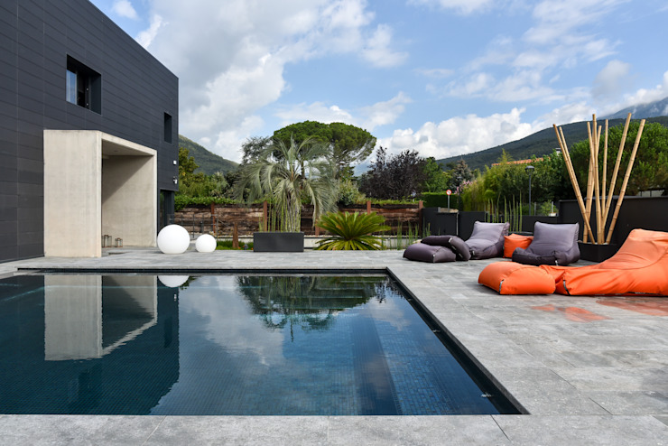 PISCINAS NATURALES jardinista Piscinas de estilo moderno