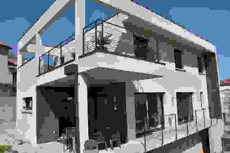 現代房屋設計點子、靈感 & 圖片 根據 Créaxia 現代風