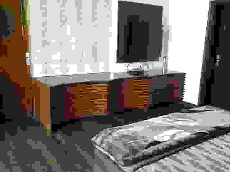 console K2 Interiors BedroomWardrobes & closets