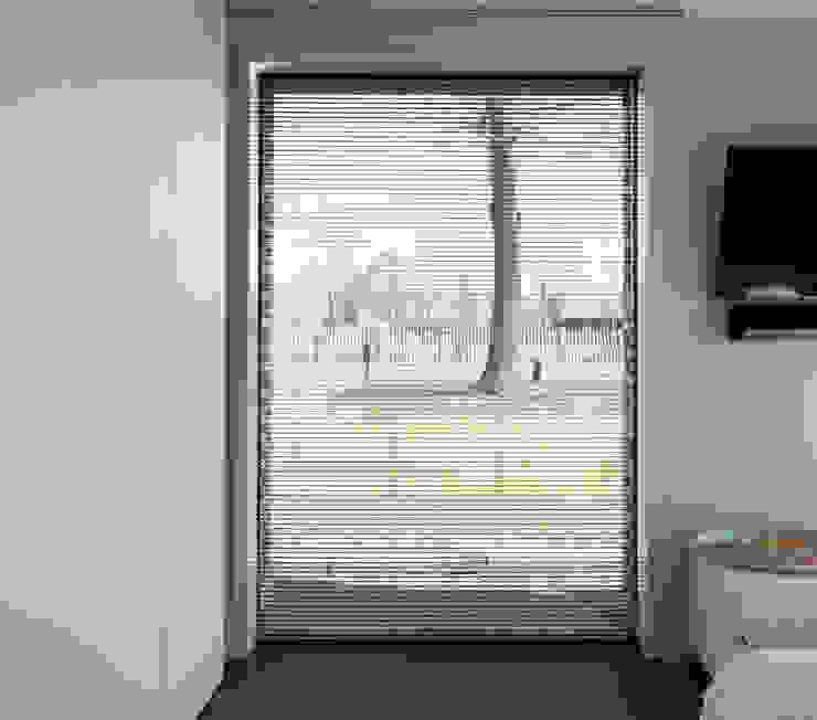 Minimalistyczna sypialnia od Joris Verhoeven Architectuur Minimalistyczny