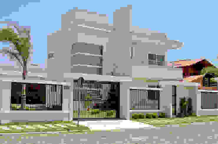 Projeto 2009.11 Casas modernas por Arquiteta Luana Turatti Moderno