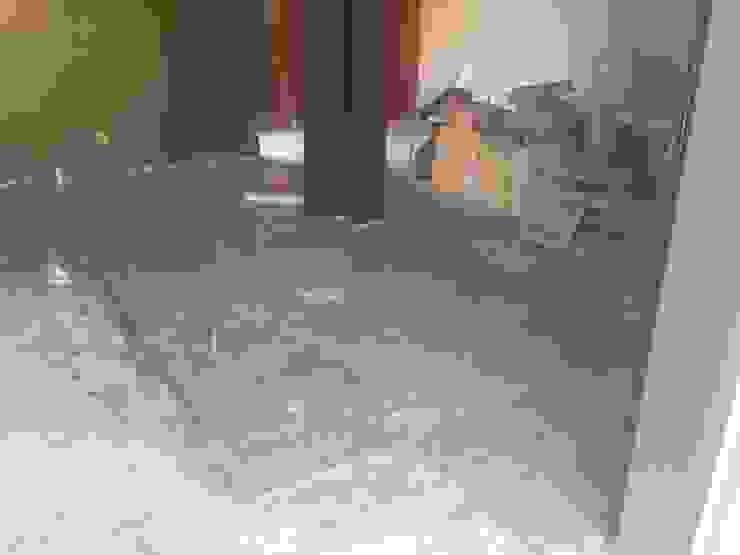 H+R ARQUITECTOS Paredes y suelos de estilo moderno