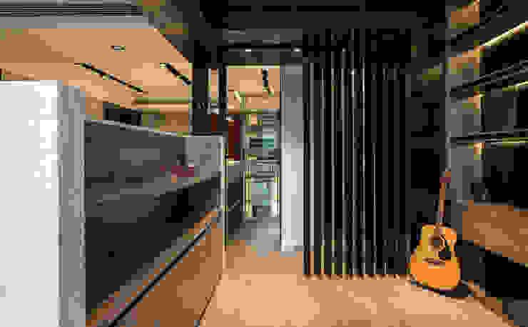 浦東外滩九里-黃金單身漢豪宅 根據 舍子美學設計有限公司 現代風