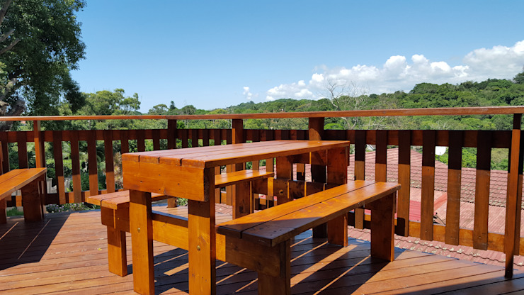 The Sun Deck:  Patios by Mason West building, Minimalist Solid Wood Multicolored
