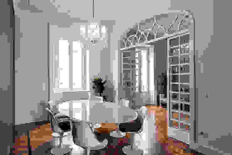 Salle à manger classique par Tommaso Giunchi Architect Classique