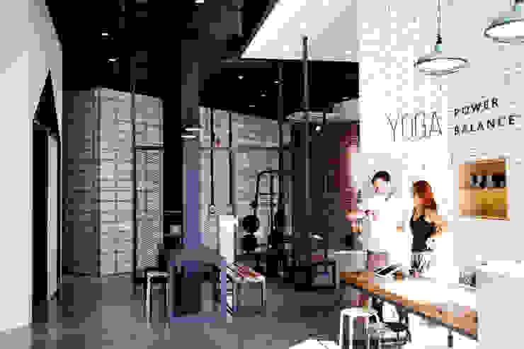 파워발란스 요가 학원 (Power Balance Yoga) by 디자인모리 모던