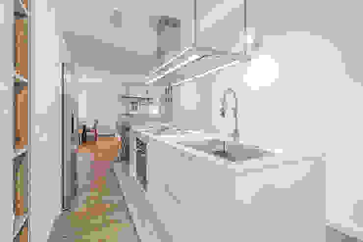 Modern style kitchen by Facile Ristrutturare Modern