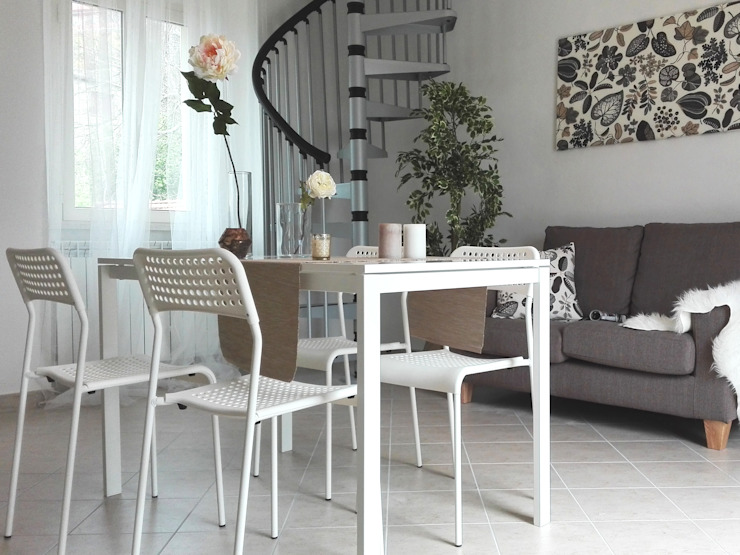 Woonkamer door Sonia Santirocco architetto e home stager, Modern