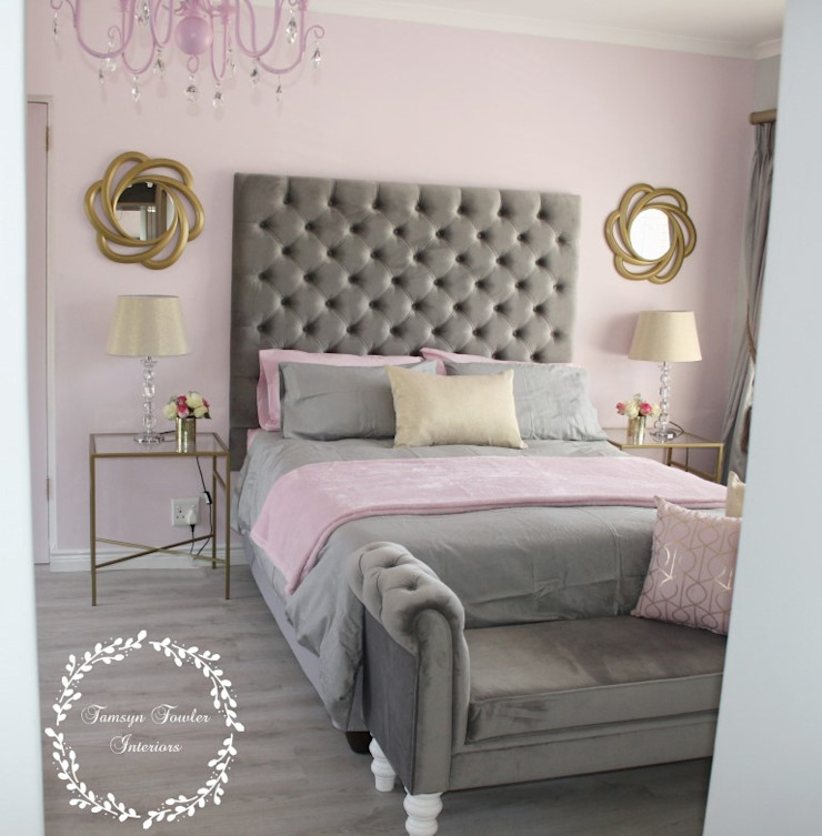 Fit for a Queen: Pink, Grey & Gold Bedroom: classic  by Tamsyn Fowler Interiors, Classic