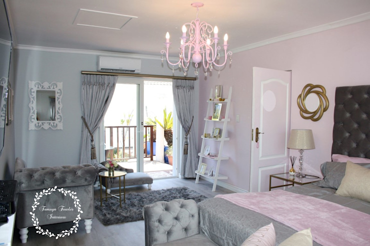 Fit for a Queen: Pink, Grey & Gold Bedroom Classic style bedroom by Tamsyn Fowler Interiors Classic
