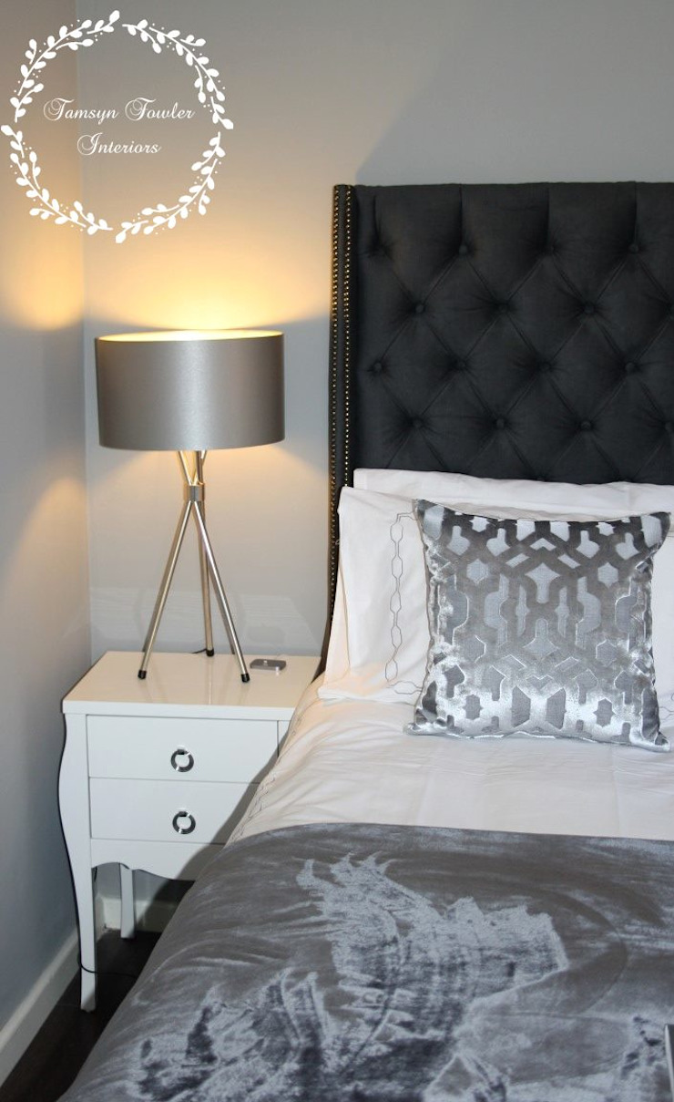 Master Bedroom: Shades of Grey Modern style bedroom by Tamsyn Fowler Interiors Modern