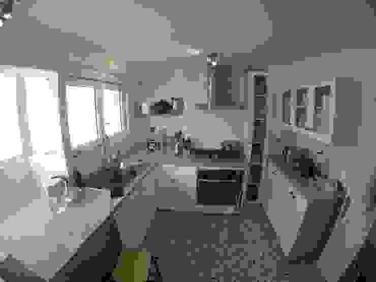 مطبخ تنفيذ Construcción y Arquitectura Sustentable Spa., إنتقائي