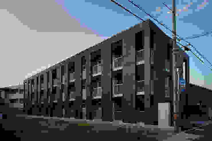一級建築士事務所 こより Modern houses Black