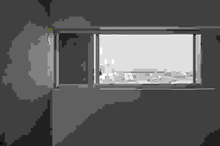 一級建築士事務所 こより Dormitorios de estilo moderno Blanco