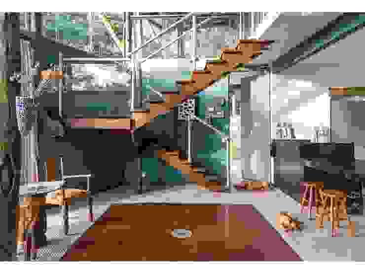 現代房屋設計點子、靈感 & 圖片 根據 JOAO DINIZ ARQUITETURA 現代風