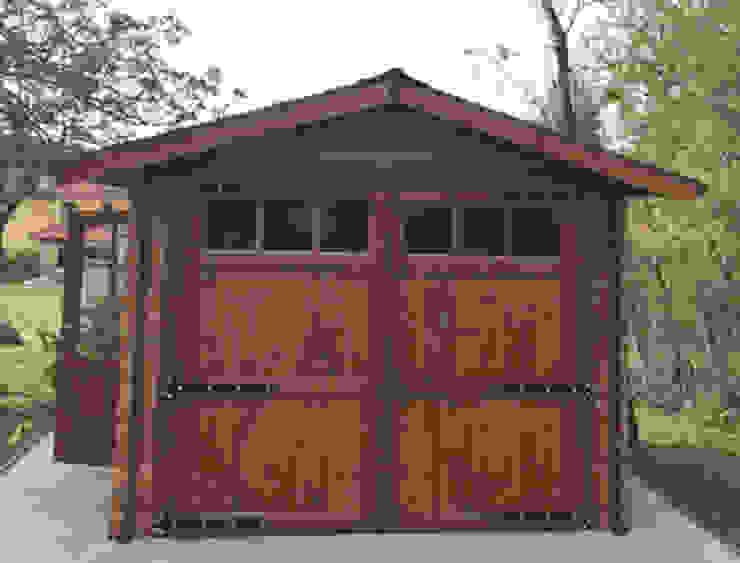 GARAGE IN LEGNO 3X5 CON PORTONE ANTERIORE PORTA SINGOLA E FIENSTRA LATERALE DEKALUX Garage/Rimessa Legno Effetto legno