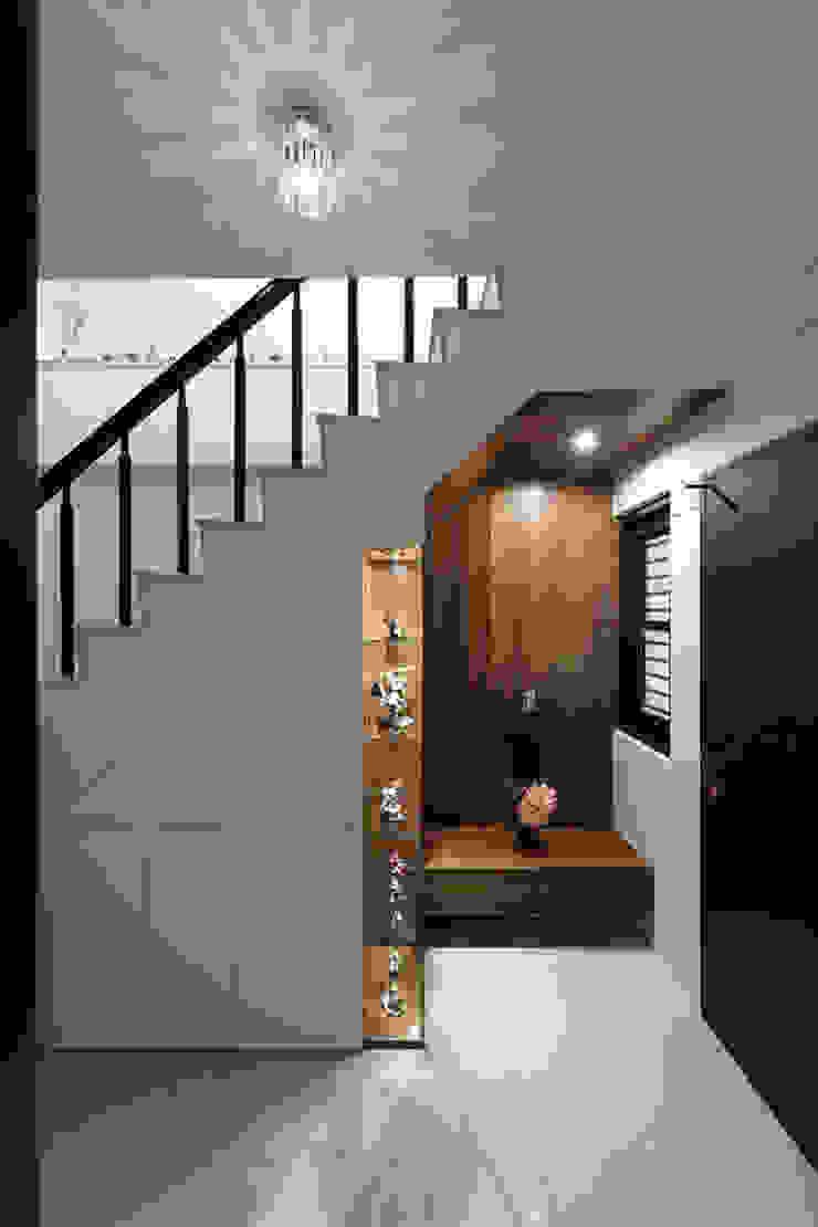 善化 貝森朵夫二期 隨意取材風玄關、階梯與走廊 根據 橡樹設計Oak Design 隨意取材風
