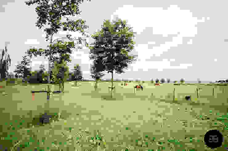 Natuurlijk landschapspark Landelijke tuinen van Buro Buitenom exterieurontwerpers Landelijk