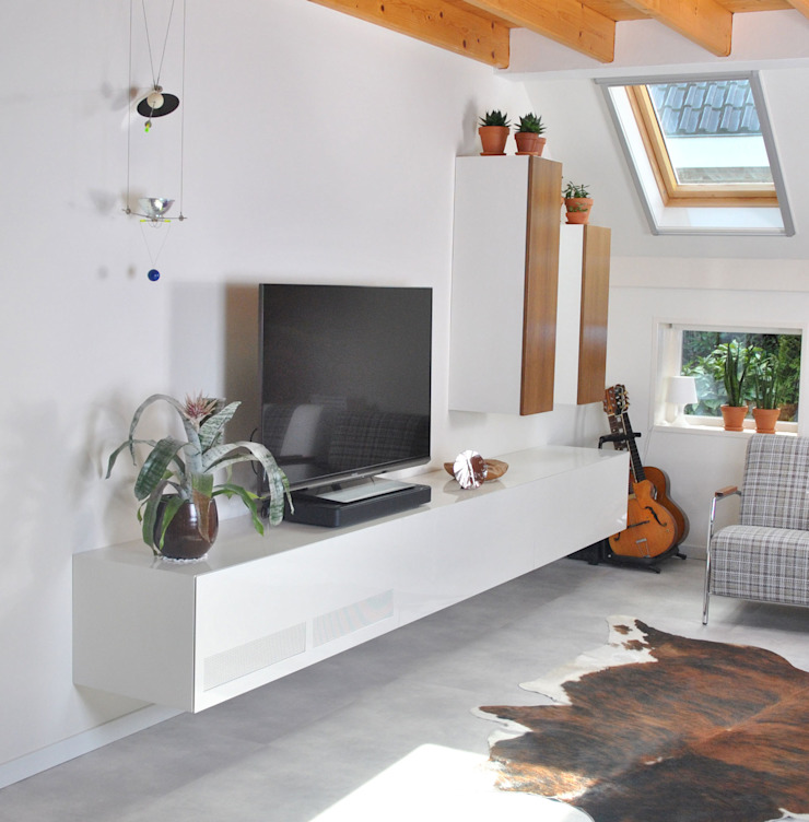 modern  by Doorrood Design, Modern MDF
