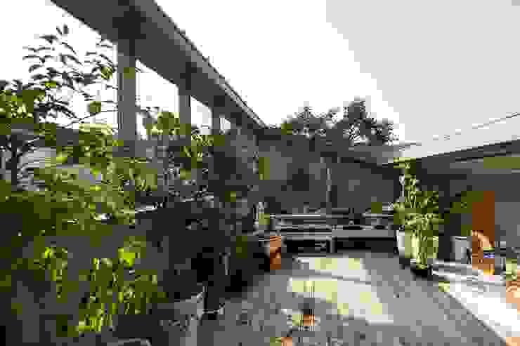Modern Garden by 수목피엠 Modern