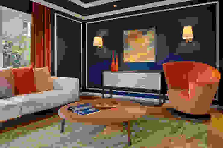 Hunke & Bullmann Ruang Keluarga Modern Orange