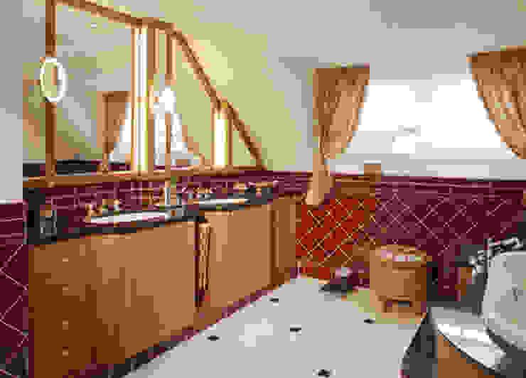 Hunke & Bullmann Classic style bathroom Red