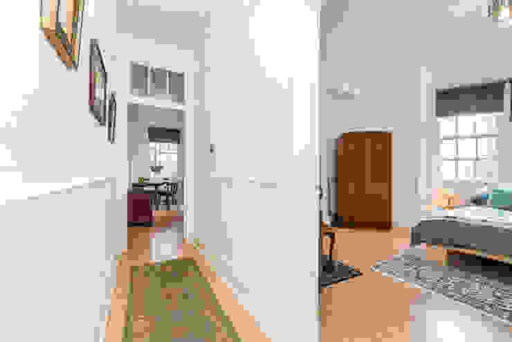 London Portman Refurbishment Classic style corridor, hallway and stairs by designSTUDIO - Lopes da Silva Classic