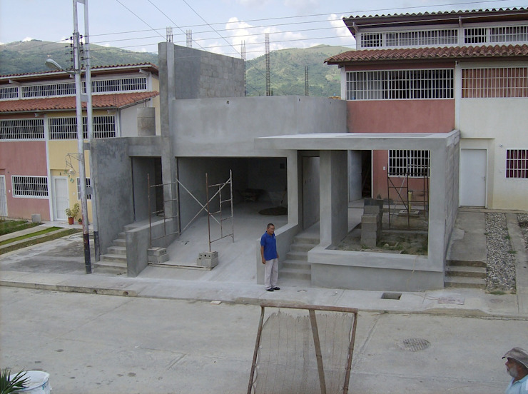 Avance de obra Casas modernas de MARATEA estudio Moderno Concreto