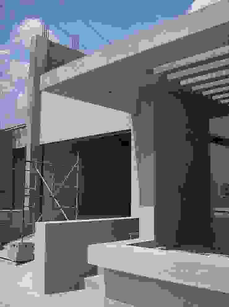 Avance de obra Casas de estilo moderno de MARATEA estudio Moderno Hormigón reforzado