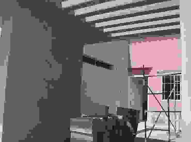 Vista inferior, pergola de concreto Casas modernas de MARATEA estudio Moderno Concreto reforzado