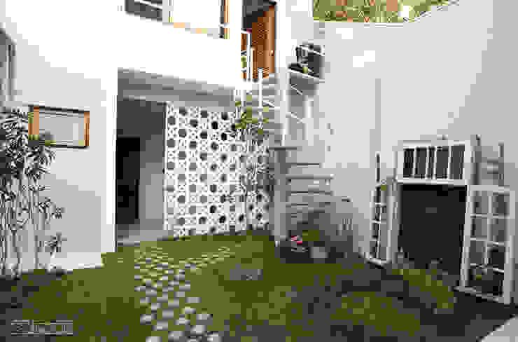 Garajes de estilo  por SET Arquitetura e Construções,