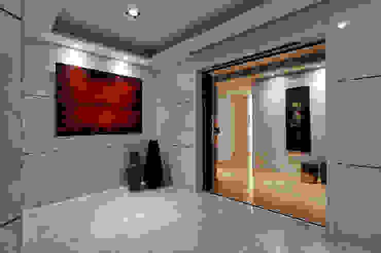 Case moderne di 舍子美學設計有限公司 Moderno