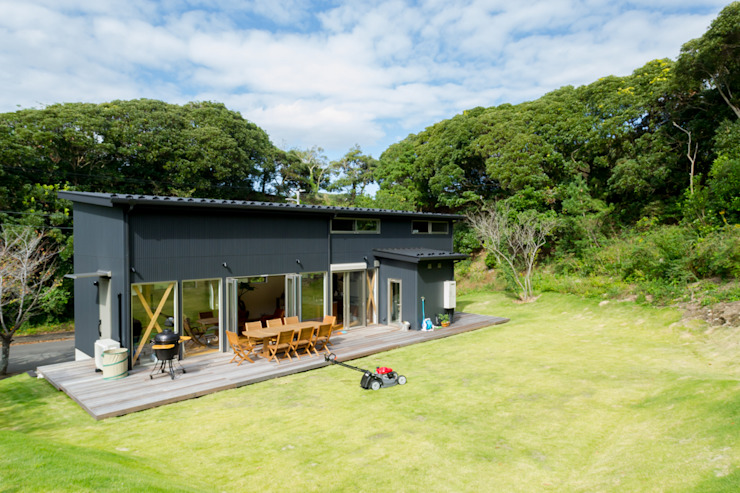 Eclectic style houses by 株式会社スタジオ・チッタ Studio Citta Eclectic