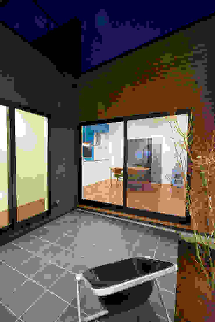株式会社スタジオ・チッタ Studio Citta Modern balcony, veranda & terrace