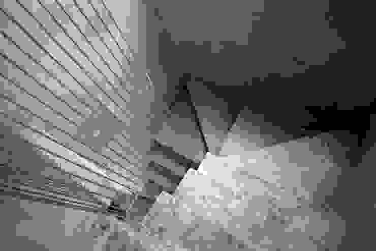 鋼線拉束樓梯扶手 根據 本晴設計 簡約風 水泥