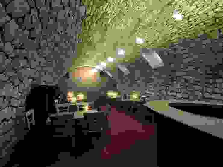 Der Umbau der Villa Hermannshof - Weinstube im KG Klassische Kongresscenter von Peter Stasek Architects - Corporate Architecture Klassisch Kalkstein