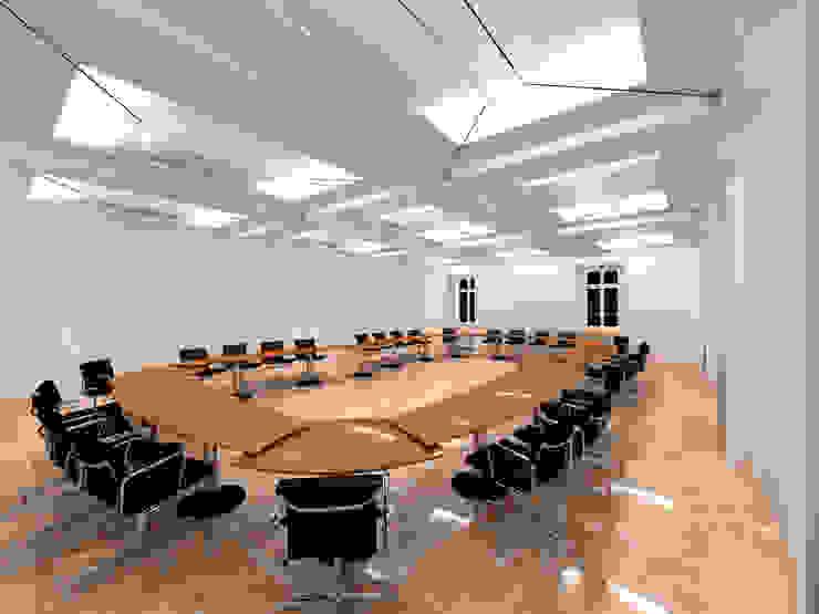 Der Umbau der Villa Hermannshof - Konferenzraum EG - Var. Sitzung I Klassische Kongresscenter von Peter Stasek Architects - Corporate Architecture Klassisch MDF