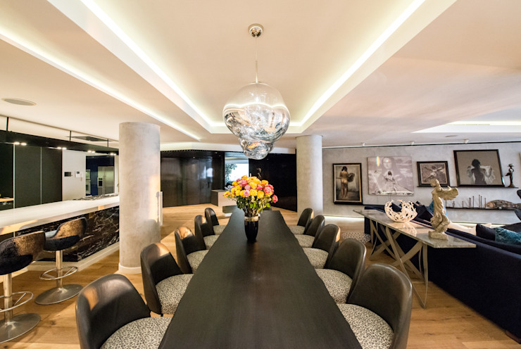 Luxurious Clifton Apartment:  Dining room by Inhouse ,