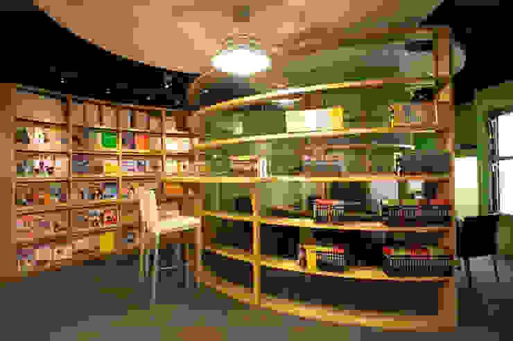 書的圓舞曲-聯徵中心圖書室 根據 果仁室內裝修設計有限公司 北歐風