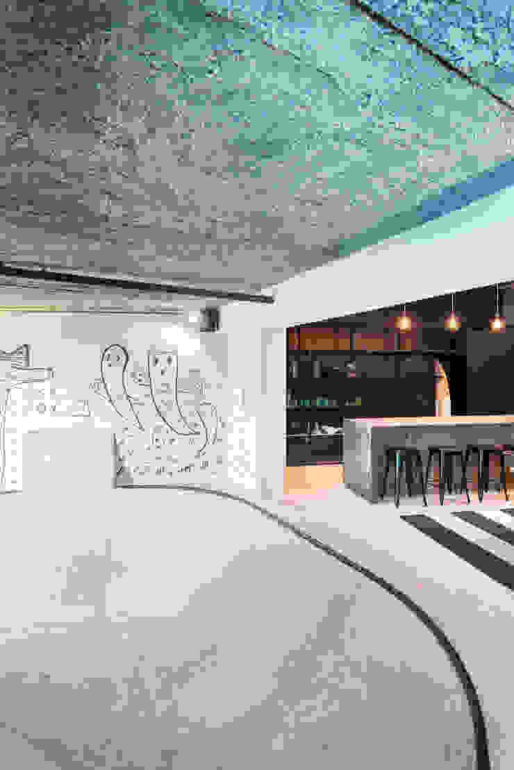 Ruang Keluarga Gaya Industrial Oleh Inhouse Industrial