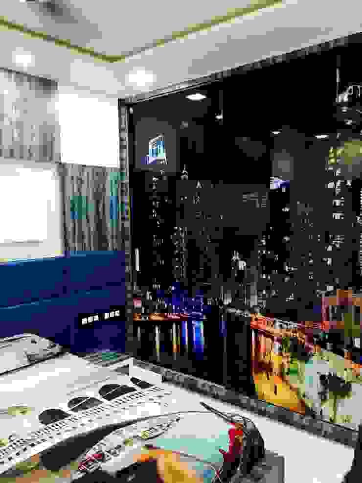 Apartment designed for Mr. Sanjay Kothari in Shahibuag: classic  by Sanchi Shah,Classic