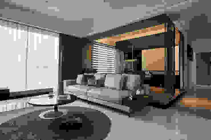 黑.調 现代客厅設計點子、靈感 & 圖片 根據 舍子美學設計有限公司 現代風