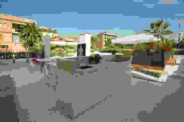 Modern Balkon, Veranda & Teras Eusebi Arredamenti Modern