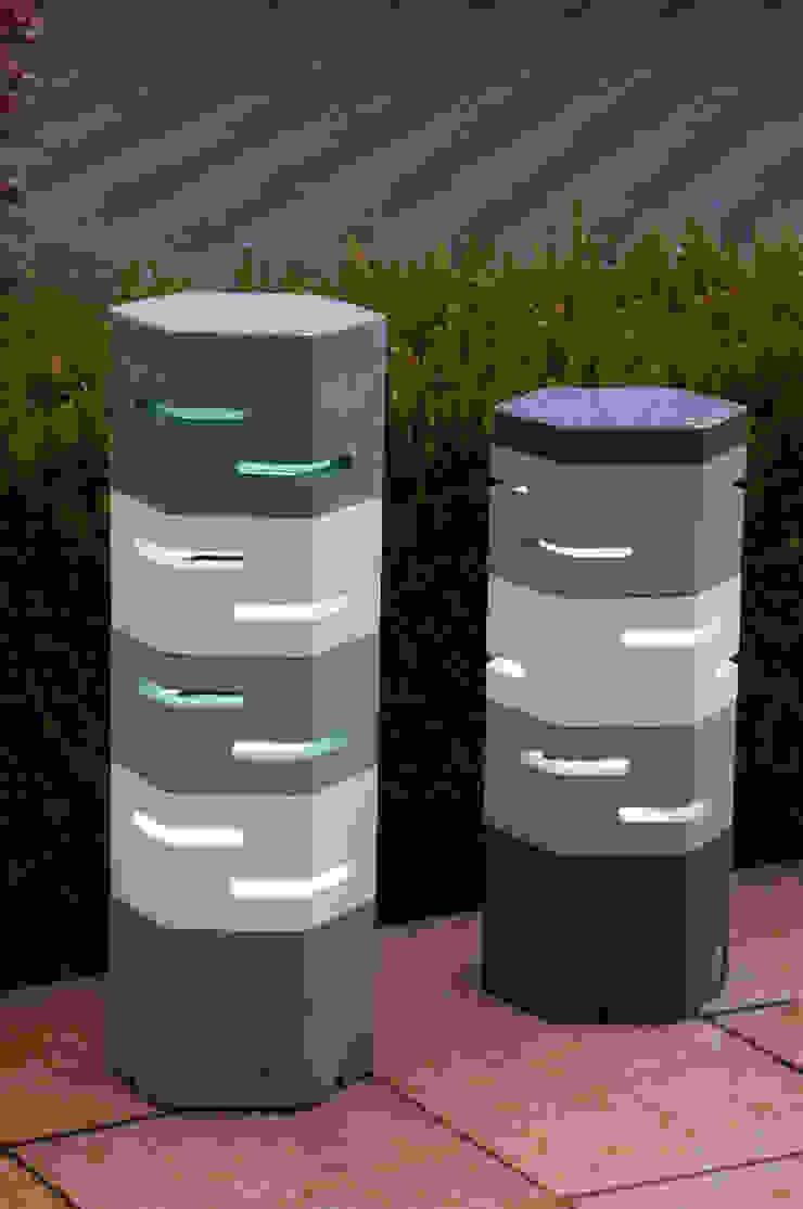 Holix IV in Serene Blue Dark and Vanilla Ice alongside Holix III: modern  by Jalu Ltd, Modern