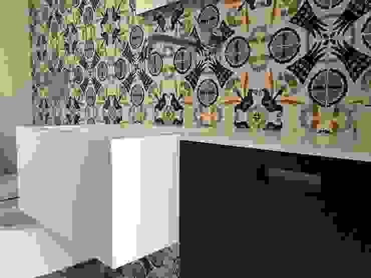 Baños de estilo minimalista de Eusebi Arredamenti Minimalista