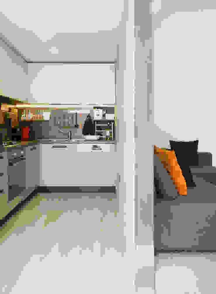 cucina_01 Cucina moderna di M2Bstudio Moderno